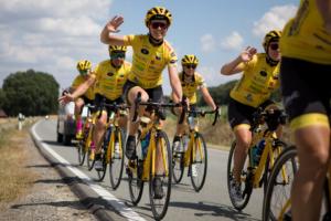 Sponsorbild till Team Rynkeby, cyklister
